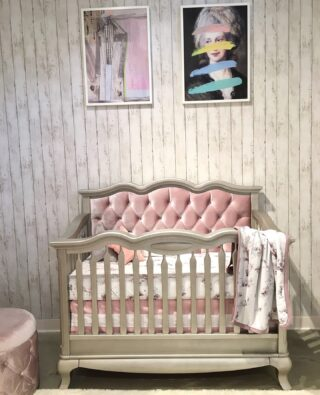 Bedding can grow with your children. A crib can become a bed for a toddler...with style and comfort combined.    #RoomsToGrow #Lifestyle #Instagood #Children #ParentingLife #Kids #YouthFurniture #ShopRhodeIsland  #Family #LetThemBeLittle #Parenthood #BabyCribs #ModernNursery #ClassicNursery #NurseryInspiration  #BabyRoom #SimpleNurseries #ElegantNurseries #NurseryInspo #PackageDeals #ConvertibleCrib
